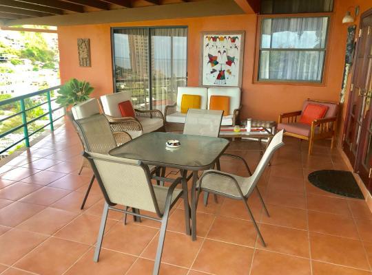 호텔 사진: Spacious 3 Bedroom Home Mins From Port Of Spain