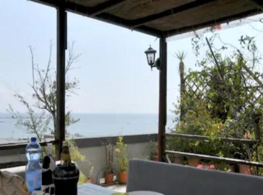 ホテルの写真: Attico vista mare