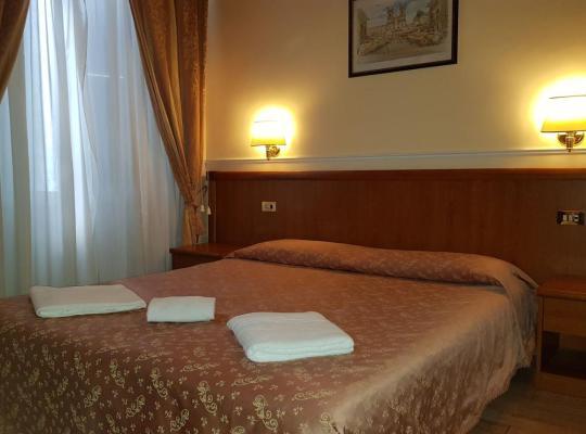 Hotel fotografií: Hotel Aristotele