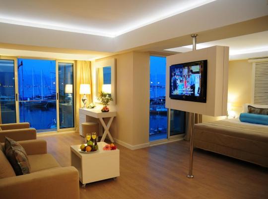 ホテルの写真: Alesta Yacht Hotel