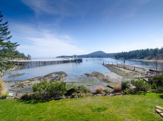 Φωτογραφίες του ξενοδοχείου: Galiano Oceanfront Inn & Spa