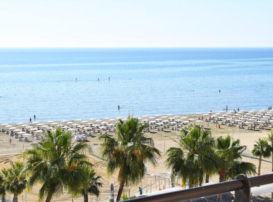 Фотографії готелю: Sun Hall Beach Hotel Apartments