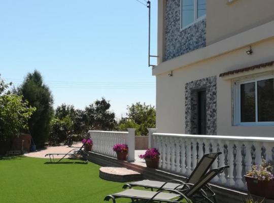 Fotos de Hotel: Webooking Garden House 1