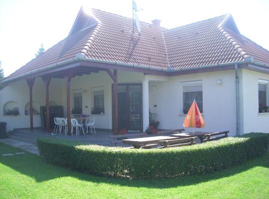 Хотел снимки: Németi Apartmanház
