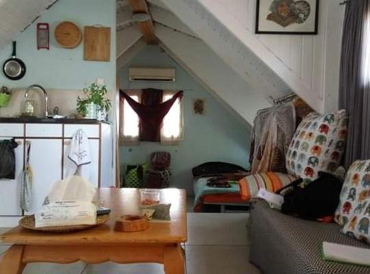 Otel fotoğrafları: עליית גג מעץ בסגנון צימר
