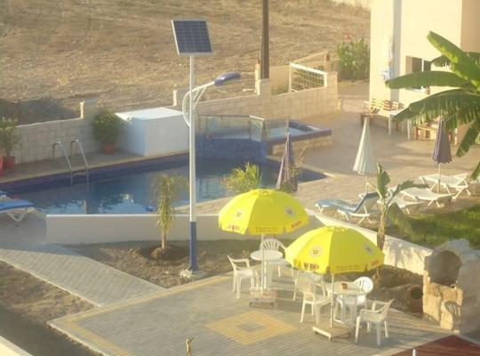รูปภาพจากโรงแรม: Marios Apartments