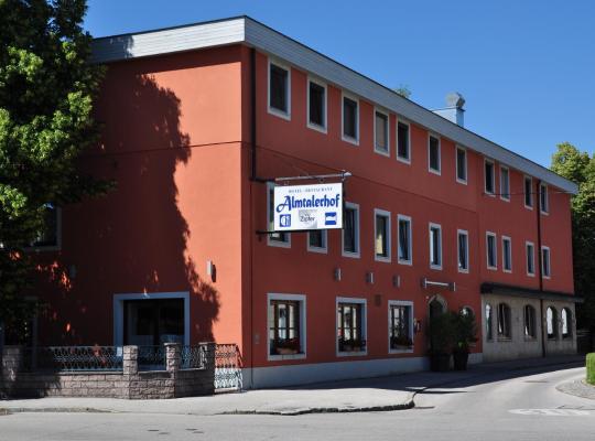 Хотел снимки: Hotel Almtalerhof