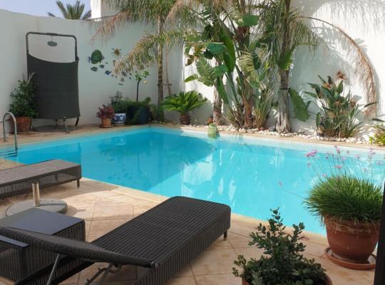 Viesnīcas bildes: Villa Luxuriously Renovated