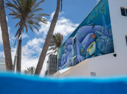 Фотографии гостиницы: Corralejo Surfing Colors Hotel&Apartments