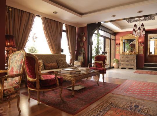 Φωτογραφίες του ξενοδοχείου: Gondola Hotel & Suites