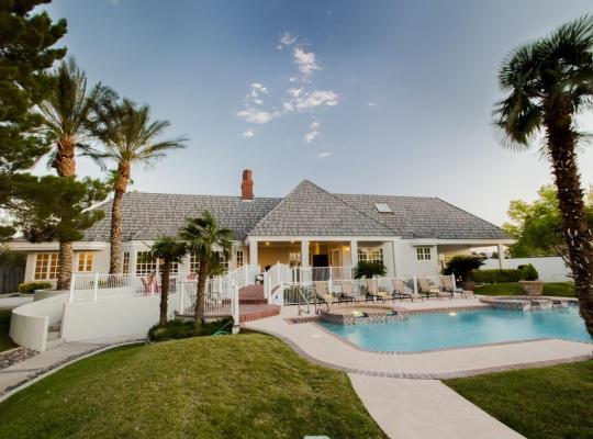 Фотографии гостиницы: Villa Carota - 6 bedrooms and a Casitas