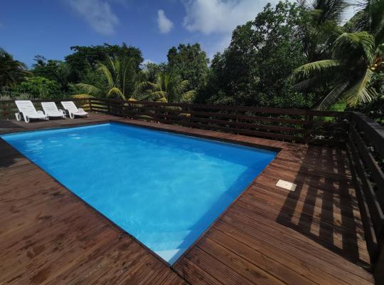 Photos de l'hôtel: T2 tout confort en bas de villa avec piscine