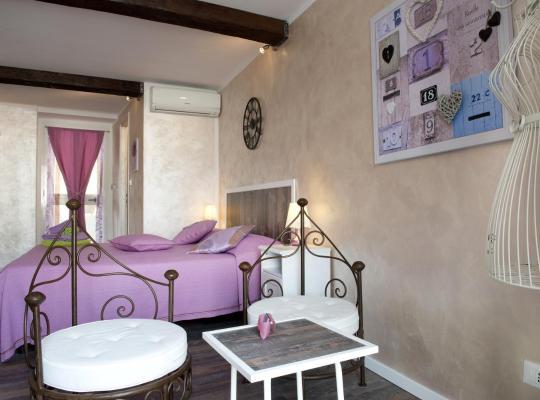 Хотел снимки: La Finestra Sulla Reggia