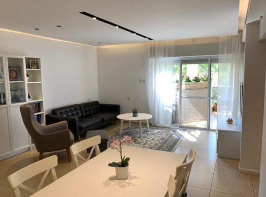 Otel fotoğrafları: Luxury Green view Apartment