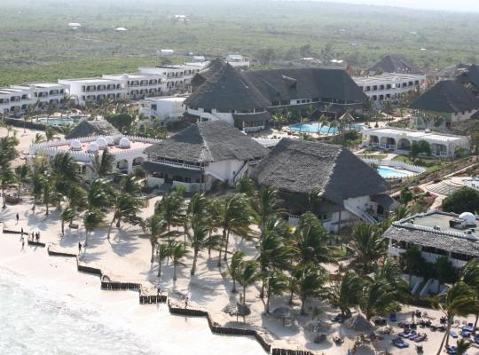 Otel fotoğrafları: Jacaranda Beach Resort