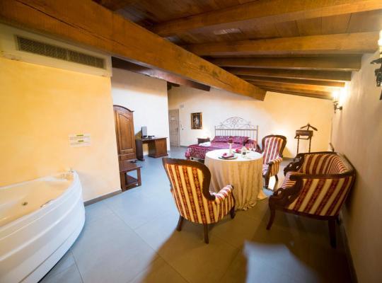 Photos de l'hôtel: Hotel La Tavola Rotonda