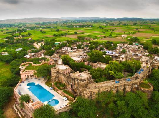 Hotel Valokuvat: Neemrana's - Hill Fort - Kesroli