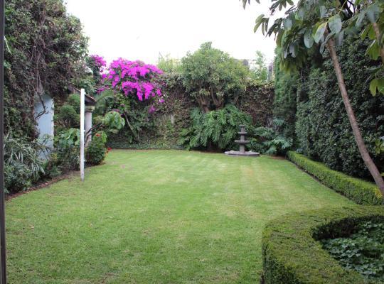 Фотографії готелю: hermosa casa con jardin grande