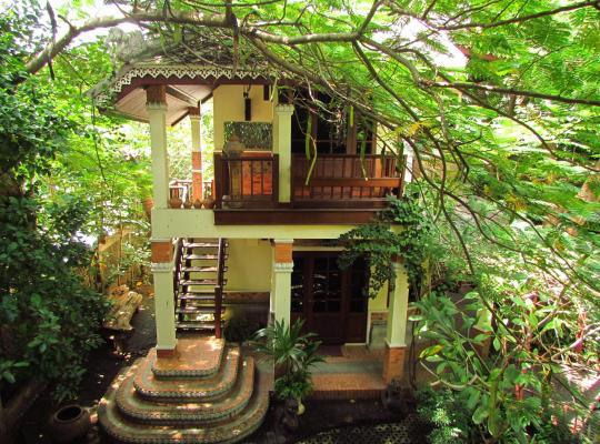 Хотел снимки: Santitham Guest House