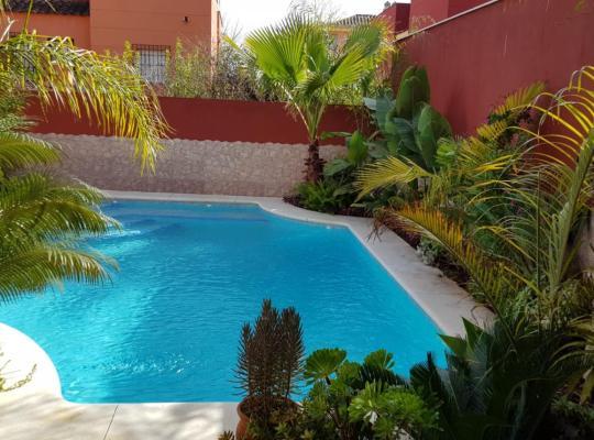 Хотел снимки: Casa con piscina Bormujos
