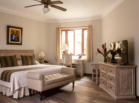 Хотел снимки: Hotel Antigua Miraflores