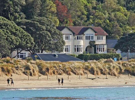 Fotografii: Beachfront Wellington Bed and Breakfast