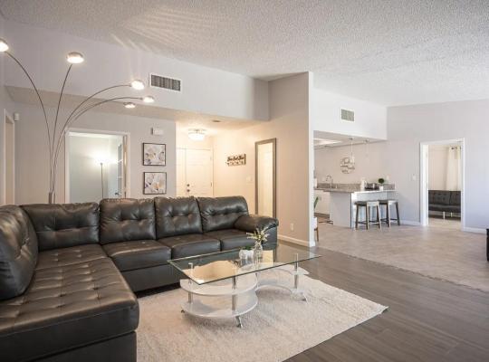Фотографии гостиницы: charming 4bedroom house, 5mins to strip!