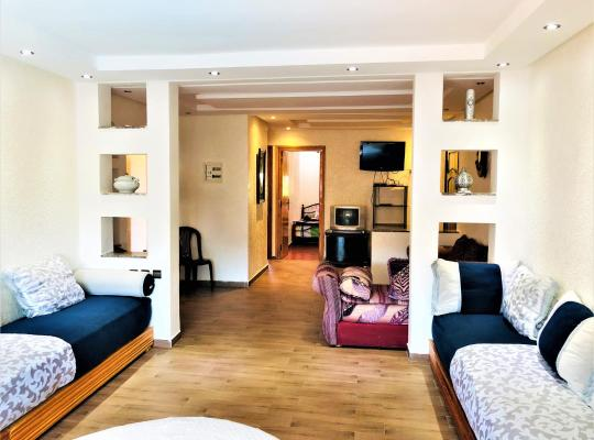 ホテルの写真: Bel Appartement moderne vue sur piscine