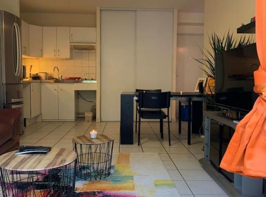 Photos de l'hôtel: Appartement deux pièces spacieux et moderne