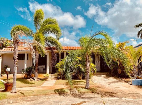 Hotel foto 's: Caribbean Inn Hotels