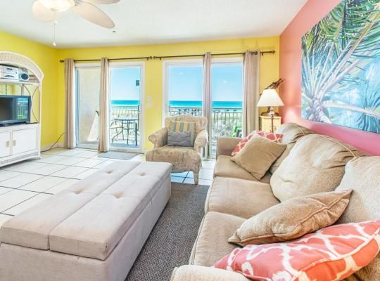 Hotel bilder: Island Sands 206 OKA Condo