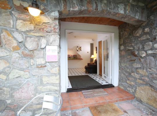 Фотографии гостиницы: Ewenny Farm Guest House