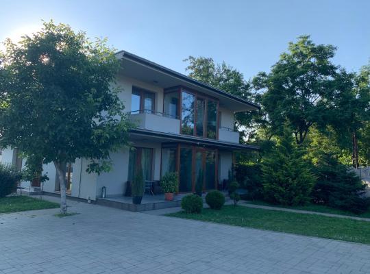 Хотел снимки: Váci Vendégház