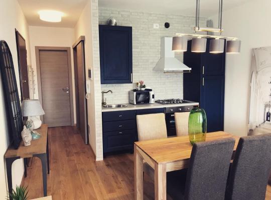 Φωτογραφίες του ξενοδοχείου: Appartamento Candiolo - Via Carducci