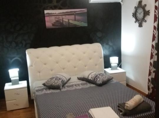 תמונות מלון: διαμερισμα δυο δωματιων 90 τ.μ. διπλα στο αλσος Αγιου Δημητρίου Αττικής