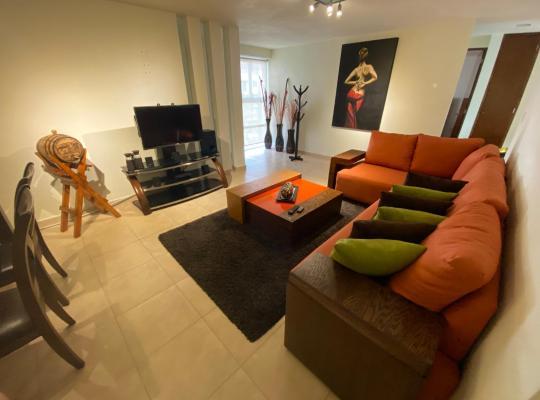 Hotel bilder: Departamento de Lujo en Av Tercer Milenio