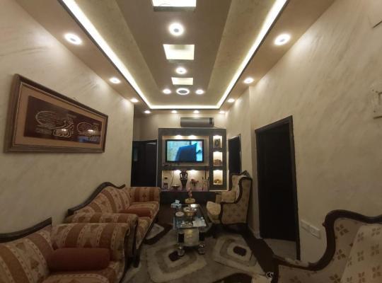 Viesnīcas bildes: Jarajreh Apartments/ Hotel