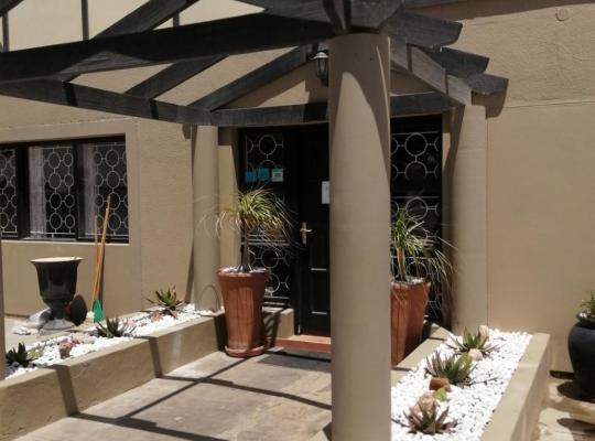 Fotos de Hotel: Desert Villa Guesthouse & Tours
