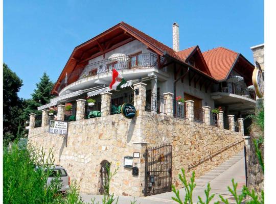 Hotel bilder: Hotel Hubertus Zebegeny