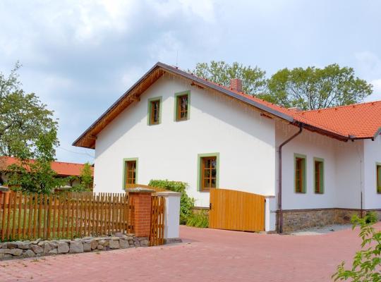 Hotel photos: Hotel Na Statku Mirošov