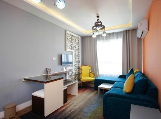 ホテルの写真: Downtown Sea View Suites