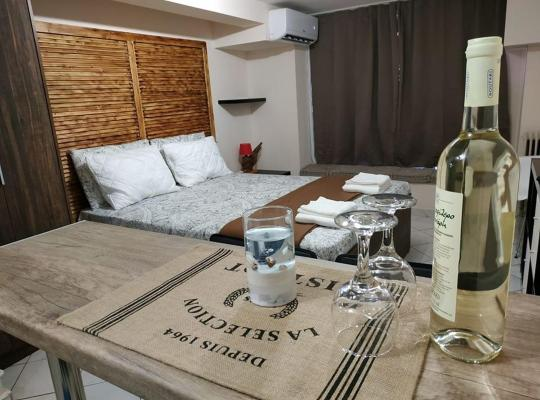 Hotel foto 's: Studio apartment 24 sqm in the center of Piraeus