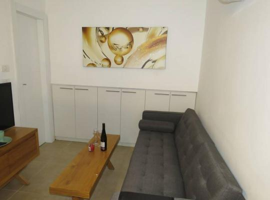 Otel fotoğrafları: cozy studio apt 15min from center tlv market