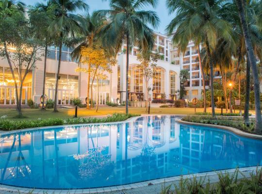 Хотел снимки: Bangi Resort Hotel