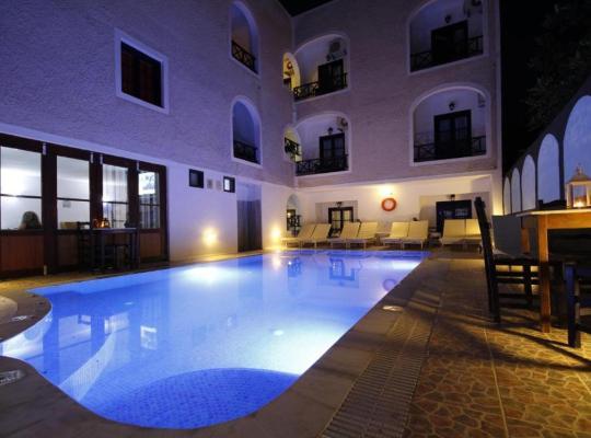 รูปภาพจากโรงแรม: Anny Studios Perissa Beach