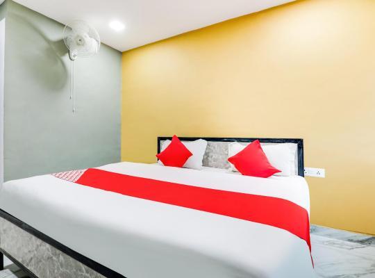 호텔 사진: OYO 49690 Aadya Greens
