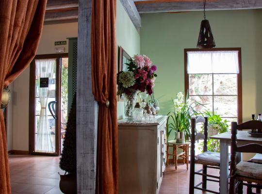 รูปภาพจากโรงแรม: Hotel Rural Cortijo de Salia