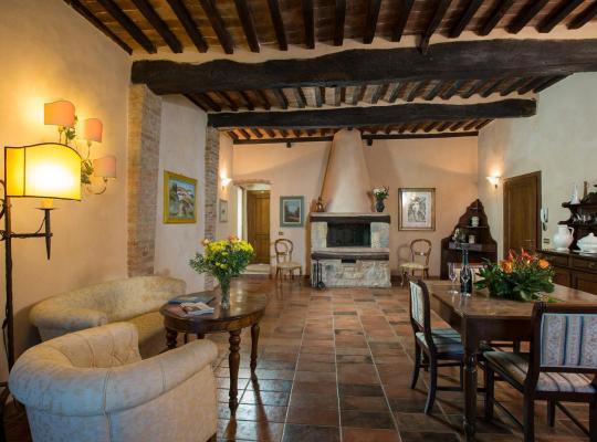 Хотел снимки: Camere Dentro Il Castello
