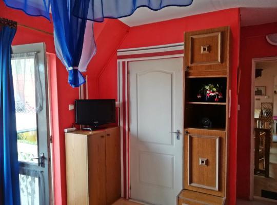 酒店照片: Castello Vendég és Apartmanház