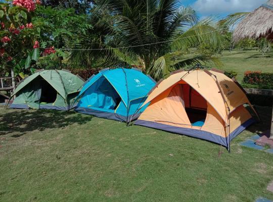 Φωτογραφίες του ξενοδοχείου: Camping Ground Bintan